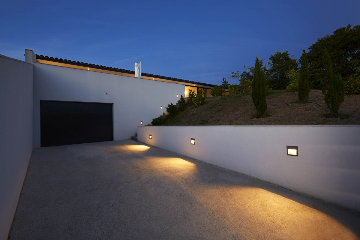 Villa VUA : atelier-cc-architecte-toulouse-maison-coteaux-moderne-contemporaine-cour-eclairage-jardin