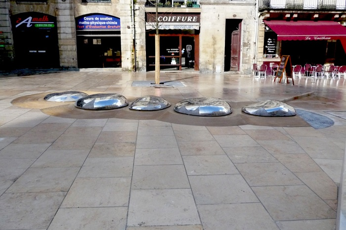 Fontaine Place du Palais : cote1