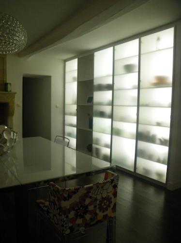 Rénovation d'une maison d'habitation : Rangement rétro-éclairé