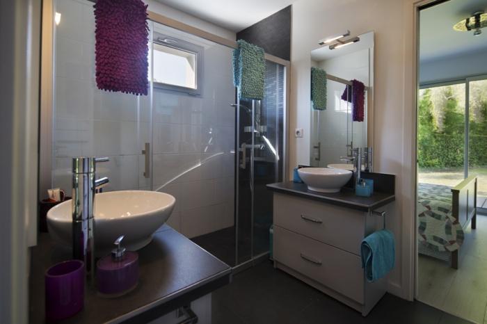 Extension d'une maison d'habitation et aménagements extérieurs : Salle d'eau