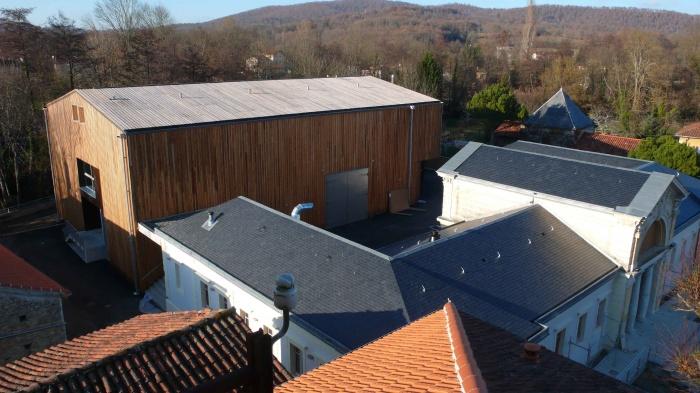 Réhabilitation des thermes d'Encausse en lieu de résidence pour les arts publics : 02Vue H extérieure ensemble