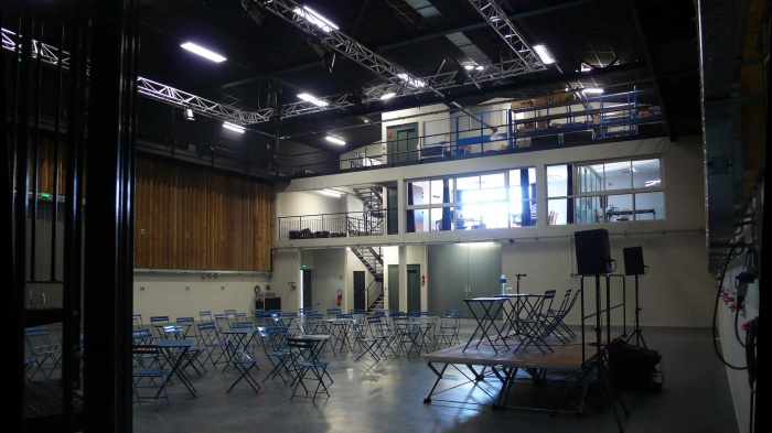 Réhabilitation des thermes d'Encausse en lieu de résidence pour les arts publics : Intérieur salle finie 02