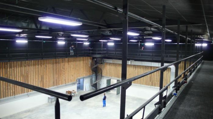 Réhabilitation des thermes d'Encausse en lieu de résidence pour les arts publics : Galerie grande salle